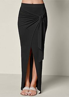 Shop pencil skirts, maxi skirts, & denim shorts for women. Find the perfect long skirt you've been searching for! Skirt Outfits, Dress Skirt, The Dress, Casual Dresses, Fashion Dresses, Long Skirts For Women, Girl Fashion, Womens Fashion, 50 Fashion