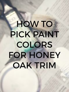 Learn how to pick the perfect paint colors to go with your honey oak trim. Oak trim has an orange undertone, so the wall color must look good with orange. Light Grey Paint Colors, Grey Wall Color, Best Paint Colors, Wall Paint Colors, Paint Walls, Chalk Paint, Light Oak Cabinets, Honey Oak Cabinets, Kitchen Cabinets