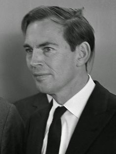 Christian Barnard - the South African cardiac surgeon who performed the world's first successful human-to-human heart transplant operation in 1967 and first double heart transplant in Christiaan Barnard, First Time For Everything, Open Quotes, Human Heart, First Humans, S Quote, Good People, Amazing People, World History