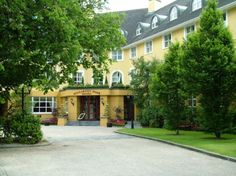My favorite hotel in all of Ireland!! I could live in this hotel!!! Staff is amazingly wonderful!!!