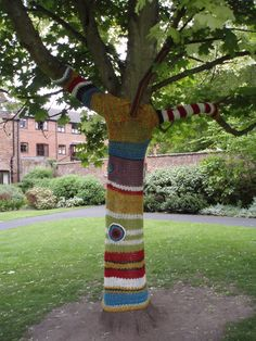 Bewdley - knitted tree