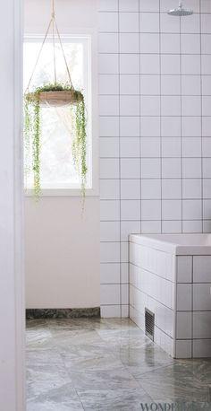 Bathroom - Hanging planter - Via Wonderdeco
