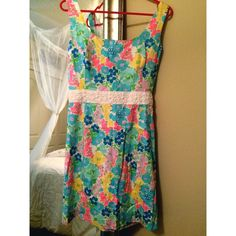 Lilly Pulitzer Serena Dress VEUC! Adorable with beaded waist, perfect for Easter! Lilly Pulitzer Dresses