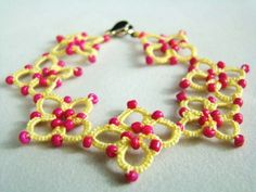Create a tatted anklet with this tatting pattern just in time for Summer! free from Craftown.