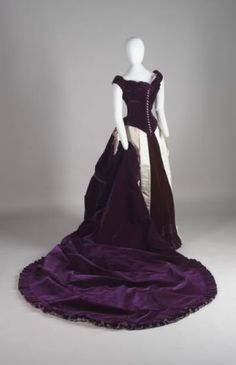 Purple velvet evening gown, House of Worth 1880. The velvet would make this very heavy, I imagine.