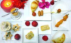 #COCKTAILGOLD 13 piezas saladas y 2 dulces    16,5€ por persona http://celebrandoencasa.com/servicios/catering/selection.html