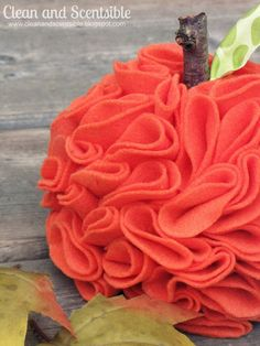 DIY:: Pretty Felt Pumpkin Tutorial