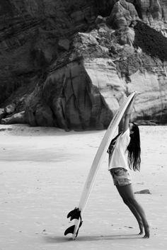 Surf :: Ride the Waves :: Free Spirit :: Gypsy Soul :: Eco Warrior :: Surf Girls :: Seek Adventure :: Summer Vibes :: Surfboard Design + Style :: Free your Wild :: See more Untamed Surfing Inspiration Surf Bikini, Bikini Girls, Style Ibiza, Surf Style, Surfer Girls, Surf Mode, Sup Yoga, Waves, X Games