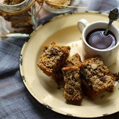 Crunchy Nutty Wheat Rusks (With Roasted Hazelnut, Almond, Sunflower & Linseed) Baking Recipes, Dessert Recipes, Desserts, Kos, Buttermilk Rusks, Rusk Recipe, Recipe Box, Ma Baker, All Bran