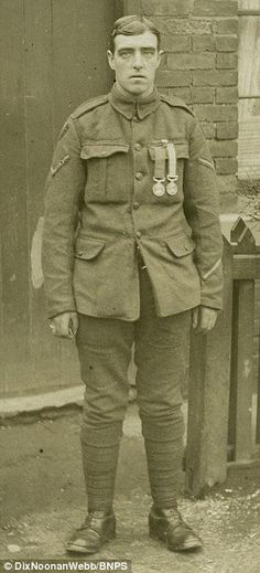 WWI; William Peniston, Stretcher-bearer won 3 medals in 3 weeks. -Lives of WW1 (@LivesOfWW1) | Twitter