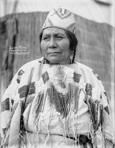 Queen Etna - Cayuse - 1900.  Photo by Major Lee Moorhouse