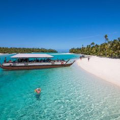 Blue-jeweled water, white beaches, lush forests, place with few tourists – yes, that's the Cooks. The archipelago's 15 islands lie flung between Samoa and French Polynesia. Instead of a french influence, the islands have strong ties to New Zealand.
