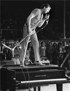 ♫ Jerry Lee Lewis #jerryleelewis #piano #music http://www.amazon.com/Where-Could-I-Go-Single/dp/B00V6IMJJ0/ref=sr_1_1?ie=UTF8&qid=1427721188&sr=8-1&keywords=where+could+i+go+bobby+smith