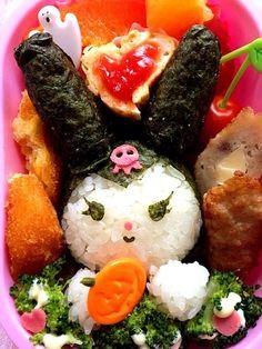 ☆海苔巻きおむすび☆クリームコーンコロッケ☆チーズ肉巻☆焼売☆オレンジ☆ - 10件のもぐもぐ - Lunch box☆Kuromi♪クロミ for Halloween by Ami