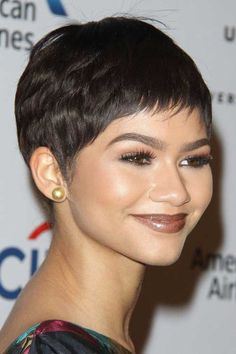 Popular Celebs with Pixie Cuts 2017 - Styles Art