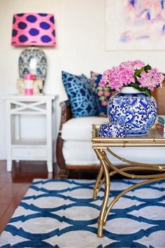 A Punch of Color: love this room!