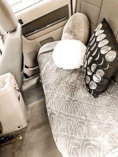 diy car accessories cute car set up backseat VSCO Hippie Auto, Hippie Car, Custom Car Interior, Car Interior Decor, Interior Ideas, Interior Sketch, Car Interior Design, Car Interior Accessories, Car Accessories For Girls