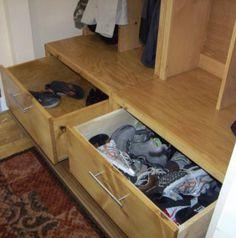 DIY Furniture : DIY Braden Entryway Drawer Bench