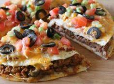 Mexican Pizza: Ingredients 1/2 pound ground turkey 1 medium onion, diced 1 clove garlic, minced