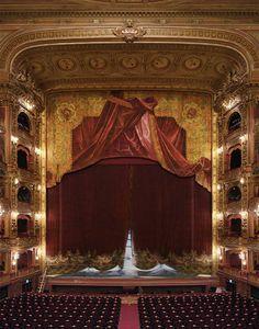 Teatro Colón de Buenos Aires, original curtain.