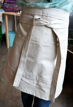 Linen Apron DIY Sewing Tutorial from the Atlanta Institute of Stitches and Crafts