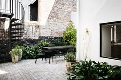 A Historical Townhouse Renovation by Templeton Architecture