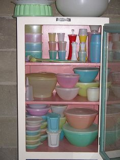 Who didn't grow up with tupperware? It's even more awesome today, better than ever and in prettier colors too!