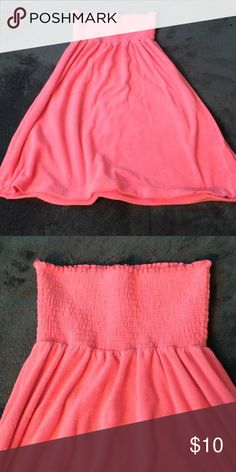 NWOT Pink Swim Coverup 💕FREE WITH PURCHASE💕 Terry cloth material. Swim Coverups
