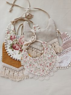 Shabby chic baby bibs for drool! Shabby chic baby bibs for drool! Shabby Chic Baby, Couture Bb, Baby Shop Online, Creation Couture, Online Dress Shopping, Baby Bibs, Diy Baby Girl Bibs, Baby Sewing, Cute Babies