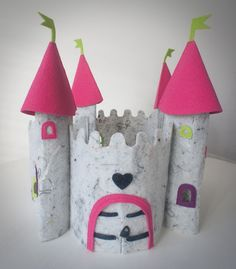 another castle Pop Can Crafts, Crafts To Make, Crafts For Kids, Felt Diy, Felt Crafts, Paper Crafts, Felt Patterns, Stuffed Toys Patterns, Aluminum Can Crafts