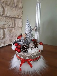 Best 12 consider for other holidays — bunny /hobgoblin/St. Patrick leprechaun – Page 343329171591336711 – SkillOfKing. Christmas Advent Wreath, Christmas Swags, Christmas Candles, Christmas Centerpieces, Winter Christmas, Christmas Home, Christmas Crafts, Xmas, Hobbies And Crafts