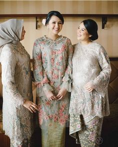 Kebaya Lace, Kebaya Dress, Kebaya Hijab, Dress Brokat Modern, Kebaya Modern Dress, Muslimah Wedding Dress, Royal Wedding Gowns, Hijab Dress Party, Engagement Dresses