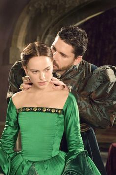 Natalie Portman and Eric Bana in The Other Boleyn Girl
