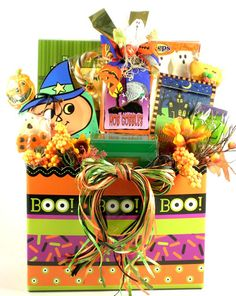 This gem of a Halloween gift basket offers ghostly goodies galore, in a gorgeou. This gem of a Halloween gift basket offers ghostly goodies galore, in a gorgeous gift arrangement Scary Halloween Treats, Halloween Boo, Halloween Gifts, Holidays Halloween, Halloween Themes, Halloween Decorations, Halloween Candy, Kids Gift Baskets, Themed Gift Baskets