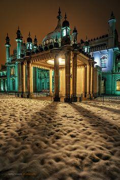 Brighton Pavillion Palace at night, East Sussex, England