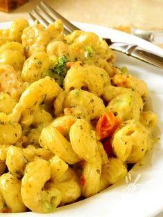 Facile, saporita e profumata: ecco la Pasta alla carbonara di verdure! Una ricetta che piacerà a tutti, ideale per una cena in famiglia o con gli amici.