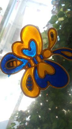 Farfalla Vetrofania realizzata con window colors  Associazione ColoriAmo Vivere di Colori