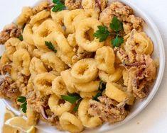 τραγανα καλαμαράκια Greek Cooking, Pasta Salad, Seafood, Food And Drink, Ethnic Recipes, Cooking Ideas, Crab Pasta Salad, Sea Food, Seafood Dishes