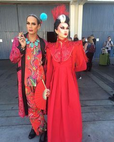 """""""sutanamrull: I've never loved a woman as much as I love my sis thank you so much to all our friends who stopped by our magic corner!"""" Raja and Manila Dragcon 2017 Raja Gemini, Manila Luzon, Queen Photos, Queen Makeup, The Vivienne, Rupaul Drag, Transgender Girls, Amazing Women, Cold Shoulder Dress"""