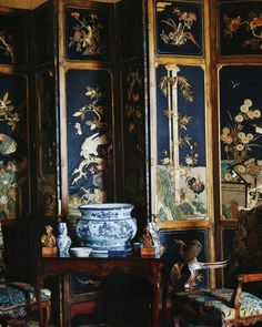 New oriental folding screen interior design ideas Asian Interior, Interior And Exterior, Monochromatic Room, Classic Living Room, Room Screen, Chinoiserie Chic, Interior Decorating, Interior Design, Luxury Home Decor
