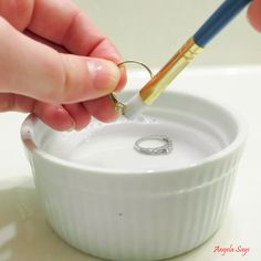 Hometalk :: How to Clean Jewelry