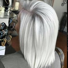 Platinum mid-length hair - All For Hair Color Balayage Silver Blonde Hair, Platinum Blonde Hair, Silver Platinum Hair, Icy Blonde, Brown Blonde, Medium Long Hair, Medium Hair Styles, Long Hair Styles, Peinado Updo