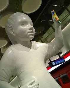 in we salute you. Tapiola 🚇 in metro stations today Finland, Believe, Sculpture, Statue, Travel, Leotards, Viajes, Sculptures, Destinations