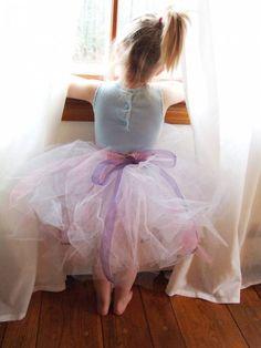 Image from http://www.sourcherry.org/wp-content/uploads/2012/06/Pastel-Flower-Girl-Tutu-Skirt.jpg.