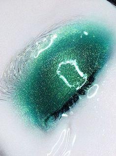 Ethereal green mermaid make-up. I want this look!