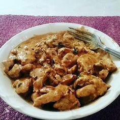 Sliced turkey with paprika cream Sliced Turkey, Multicooker, Batch Cooking, Food And Drink, Menu, Chicken, Desserts, Wok, Parfait