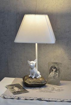 Tierische Tischleuchte eines kleinen Chihuahua von palazzoint via dawanda.com