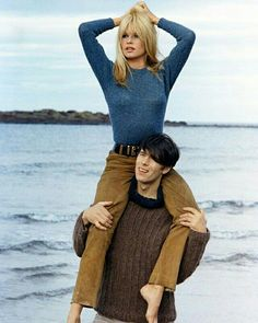 Brigitte Bardot & Laurent Terzieff on the set of A Coeur Joie 1967 Inspiration for Salty Lifestyle Style Année 60, French Girl Style, French Chic, Looks Style, Style Icons, 60s Icons, Bridgitte Bardot, Catherine Deneuve, Laurent Terzieff