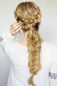 Double Dutch braids are so versatile, so you can wear them every day or for a night out. See our photo gallery of the trendiest braided hairstyles. #dutchbraids #hairstyle#braids