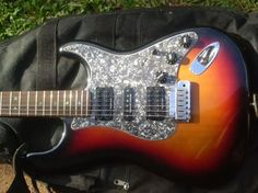 2006 USA Deluxe Fender Stratocaster Front